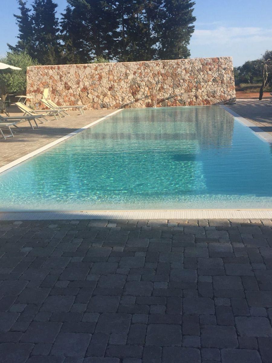 piscina-la-corte-del-salento-02-min
